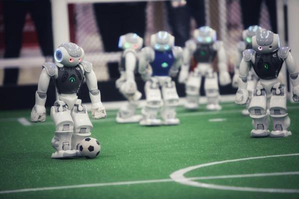 ربات خودت را در مدرسه امیرکبیر بساز