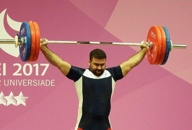 شکستن غیر رسمی رکورد دنیا توسط کیا قدمی در مسابقات وزنه برداری استانی