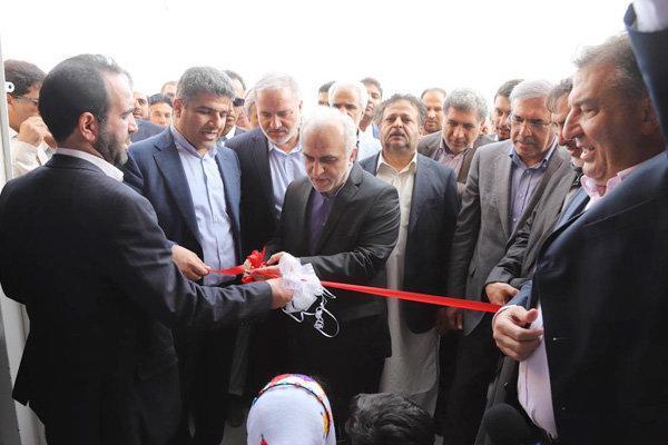 بازدید وزیر اقتصاد از طرح های فولاد و پتروشیمی مکران