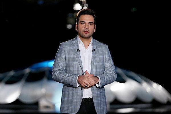 احسان علیخانی؛ مجری ویژه برنامه تحویل سال 98 شبکه سه