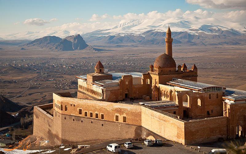 تاثیرات معماری ایرانی در کاخ اسحاق پاشا ترکیه