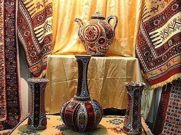 نمایشگاه صنایع دستی در پارک شاهد کرمانشاه افتتاح شد