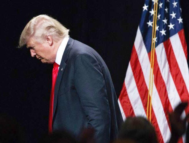 خودزنی ترامپ در بحبوحه روند استیضاح