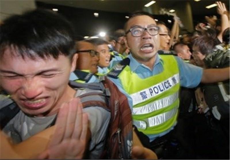 جنبش نافرمانی دانشجویان هنگ کنگ به خشونت کشیده شد
