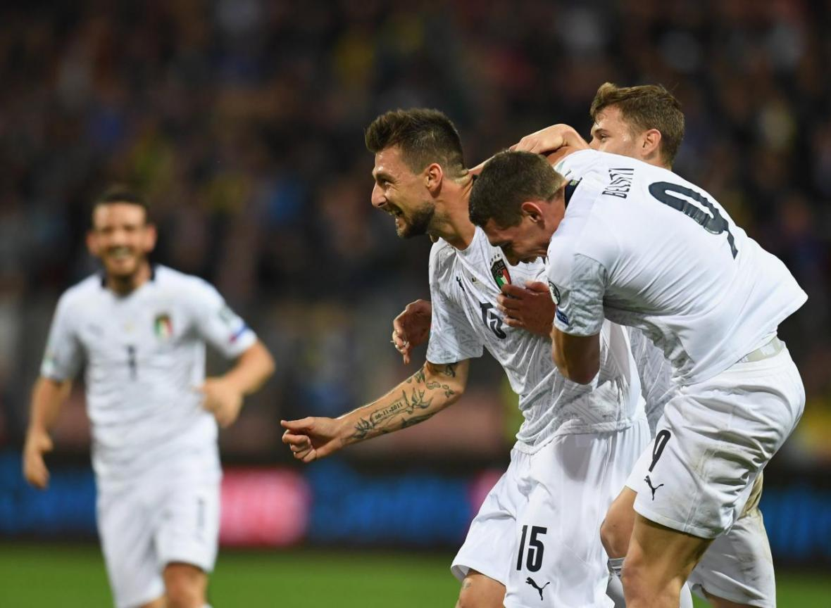 رکورد شکنی ایتالیا با شکست بوسنی، آتش بازی اسپانیا در شب صعود سوئد