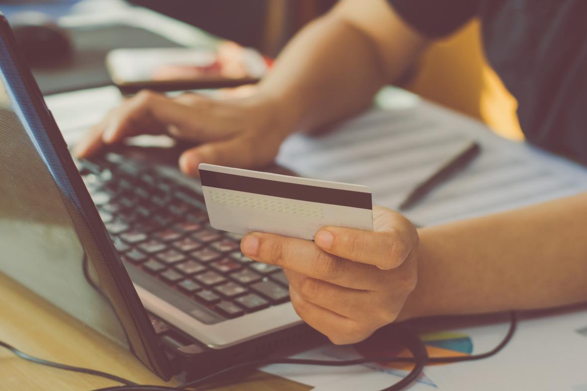 حذف رمز دوم ایستا کارت های بانکی از 8 بهمن ماه