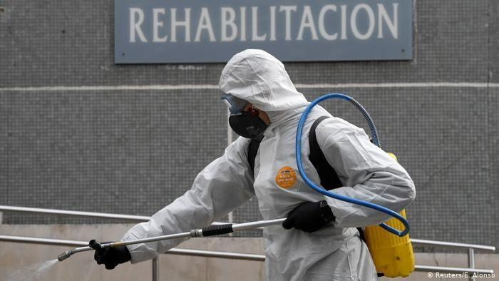 سازمان جهانی بهداشت: برای شکست کرونا، تنها قرنطینه کافی نیست