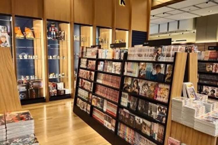 مهم ترین کتابفروشی ژاپنی در ابوظبی شعبه زد