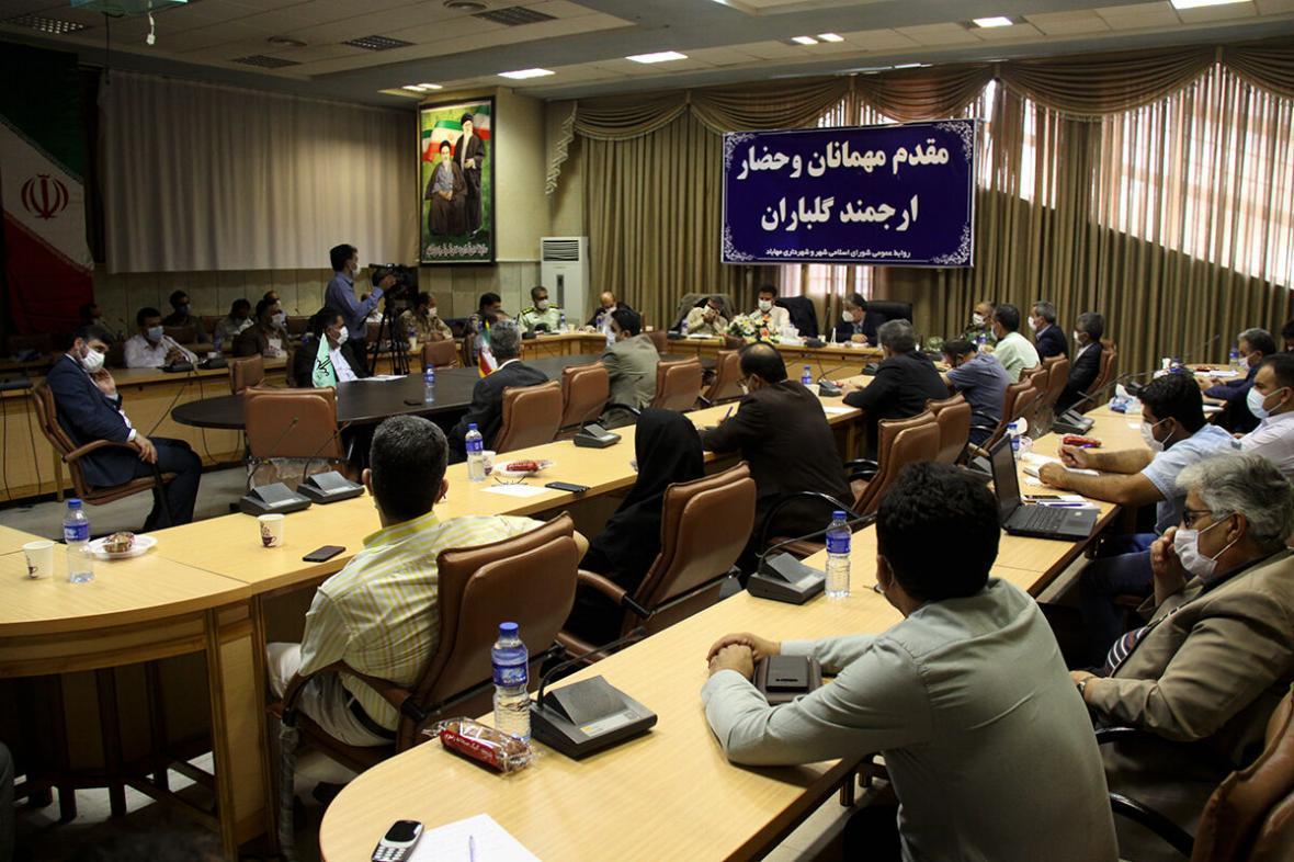خبرنگاران حاشیه های نشست مسوولان دانشگاه علوم پزشکی آذربایجان غربی در مهاباد