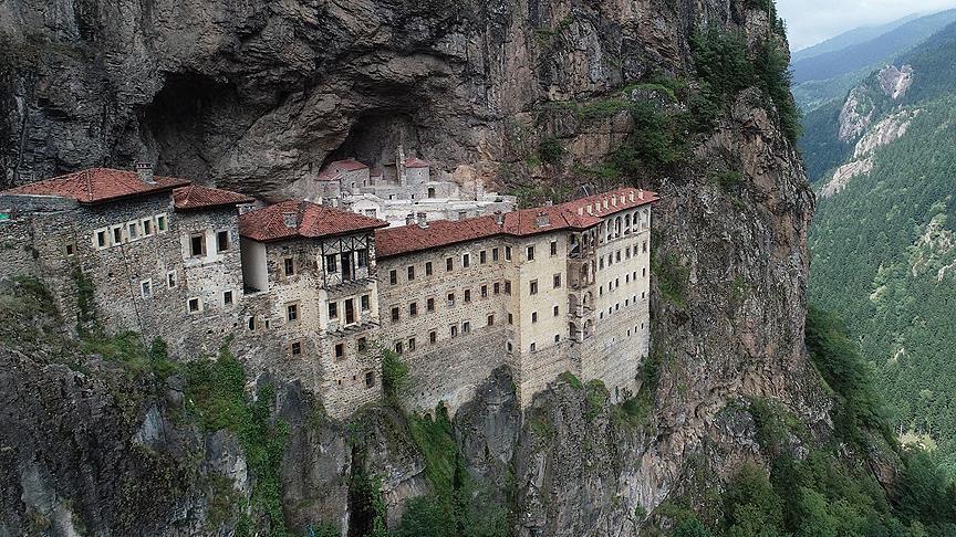صومعه ای 1000 ساله در دل ارتفاعات ترکیه
