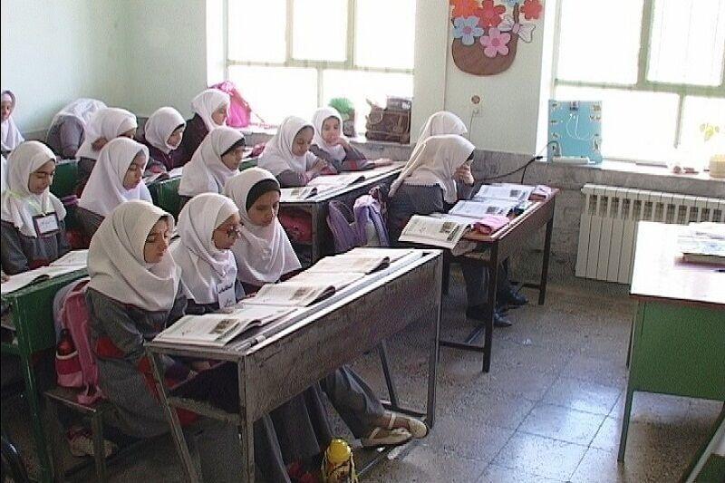 خبرنگاران کمبود 20 معلم در مدارس ابتدایی آستارا