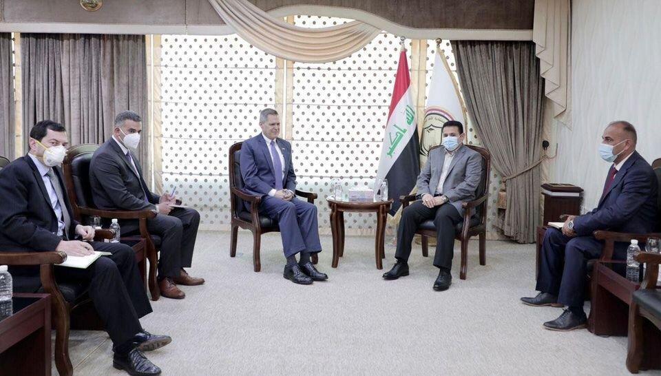 مشاور امنیت ملی عراق با سفرای آمریکا و انگلیس ملاقات کرد