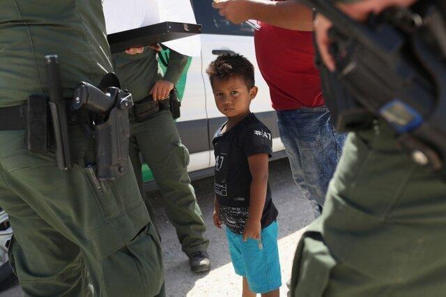 فاجعه ای دیگر از سیاست مهاجرتی ترامپ؛ گم شدن والدین 545 کودک جدا شده