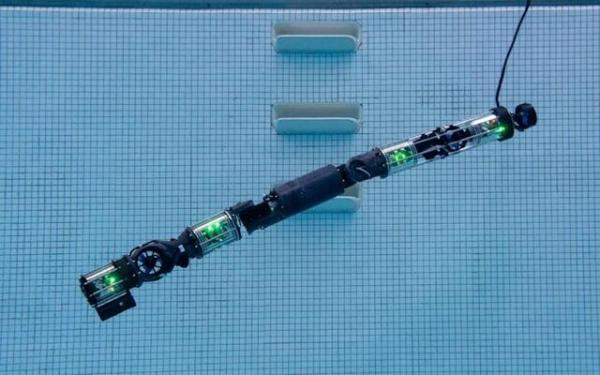 روباتی که زیرآب شنا می کند