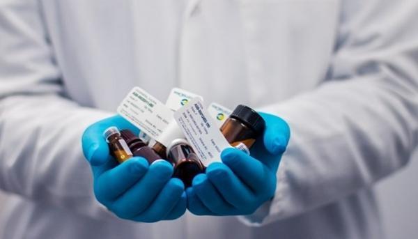 واکسن پولی مصداق بی عدالتی است ، انتقاد از فرصت سوزی برای واردات واکسن
