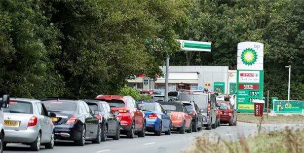 بحران سوخت در انگلیس؛ از صف های طولانی و زدوخورد تا شکسته شدن رکورد قیمت بنزین